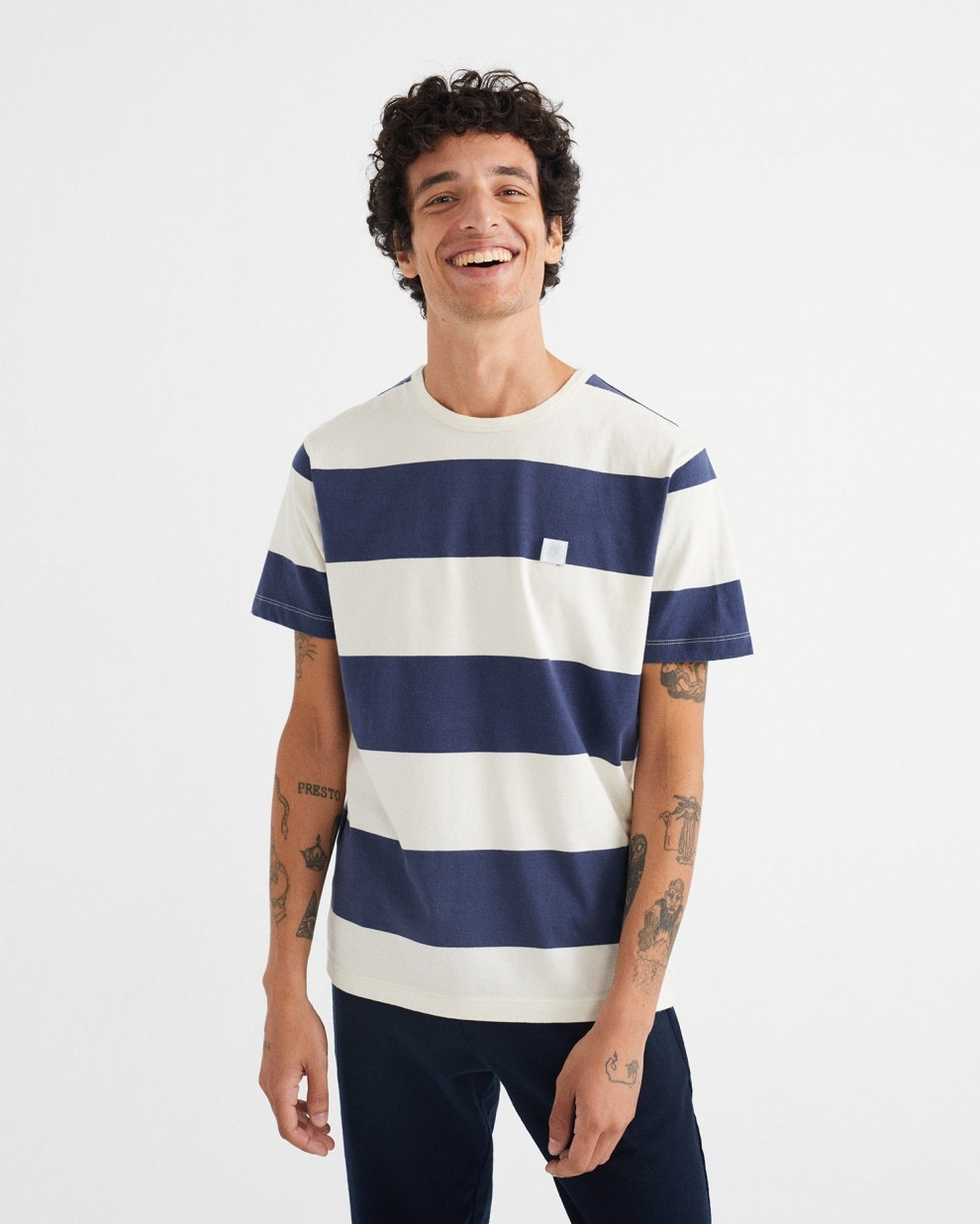 NAVY STRIPES T-SHIRT