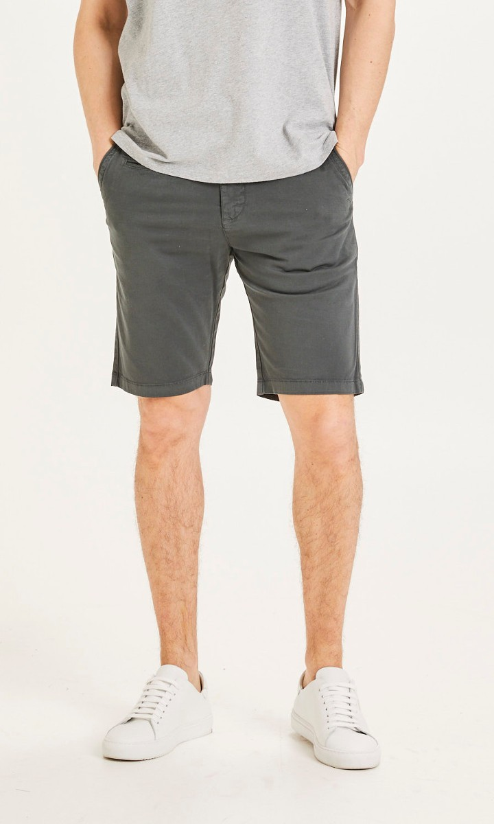 CHUCK regular chino shorts Phantom